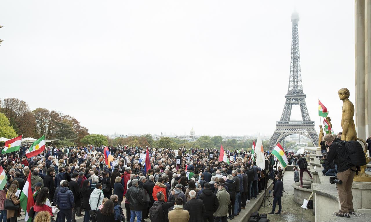manifestation-a-paris-en-soutien-des-kurdes-trocadero-6