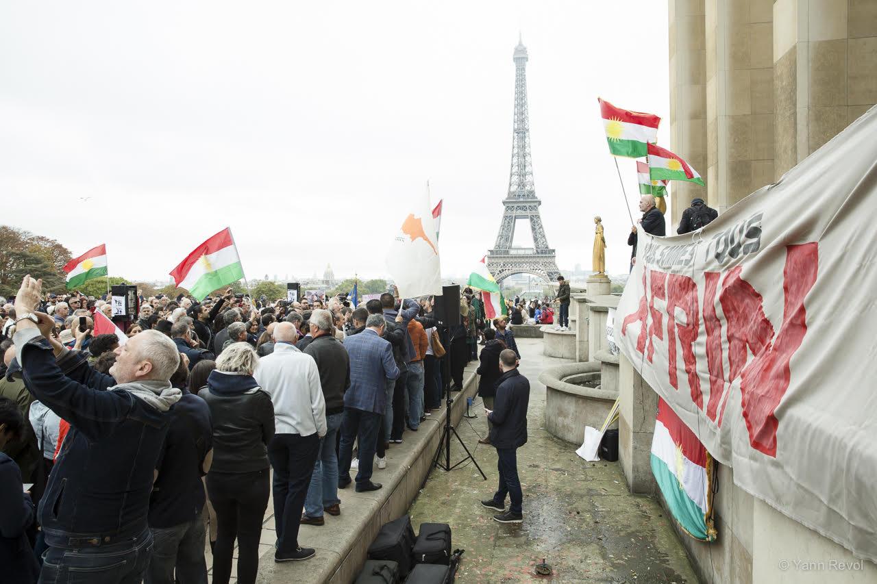 manifestation-a-paris-en-soutien-des-kurdes-trocadero-8