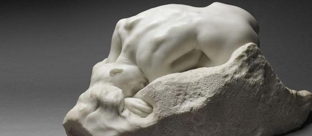 La Danaïde, une sculpture en marbre d'Auguste Rodin, réalisée en 1889.