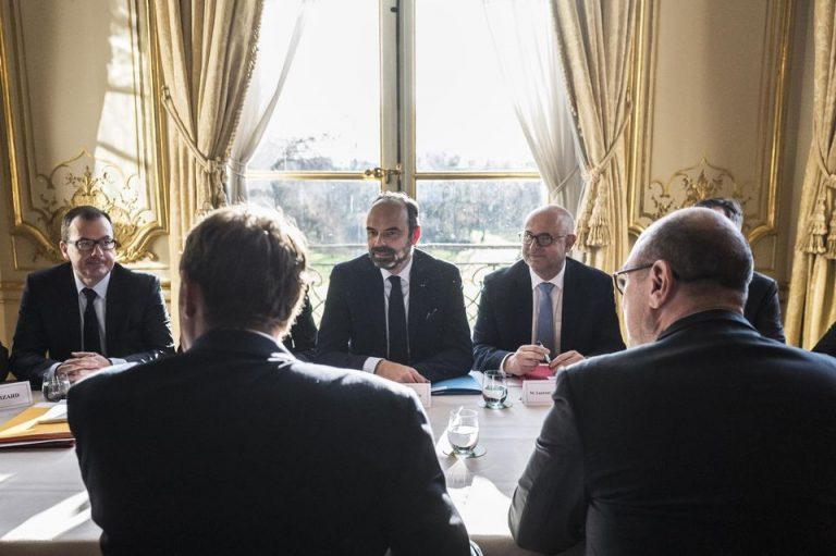 Paris, le 18 décembre 2019. Edouard Philippe, premier ministre reçoit les partenaires sociaux à Matignon