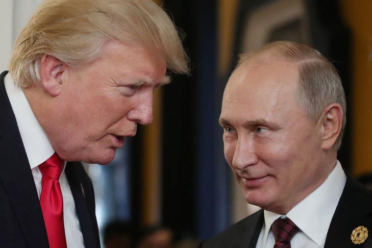 Portrait de Donald Trump et Vladimir Poutine le 11 novembre 2017.