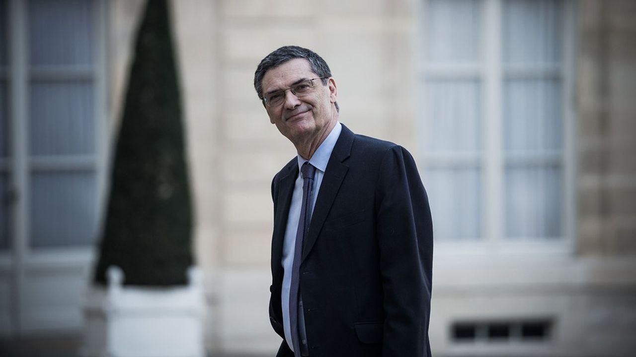 L'ex-ministre Patrick Devedjian devant l'Elysée à Paris.