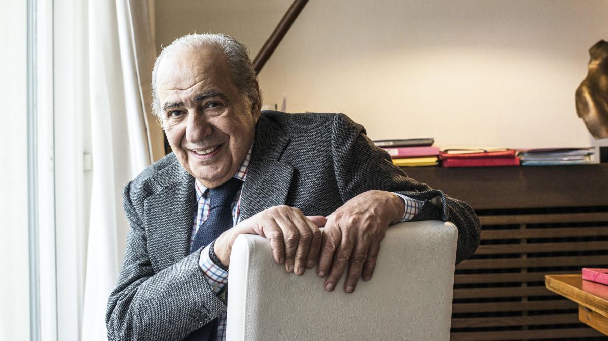 Pierre Bénichou est né le 1ᵉʳ mars 1938 à Oran et mort le 31 mars 2020 à Paris.