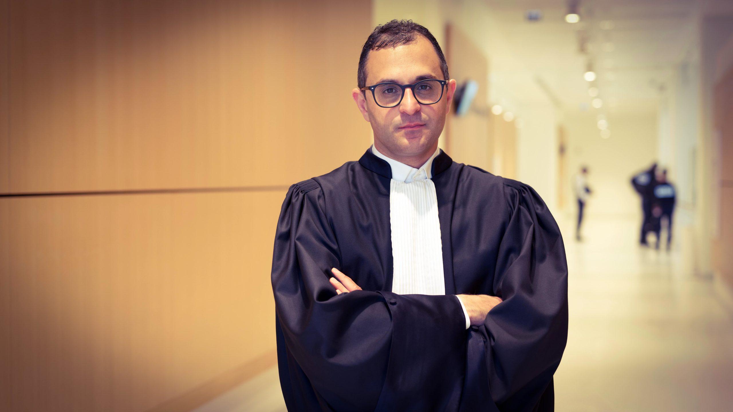 Portrait de l'avocat et élu Arash Derambarsh