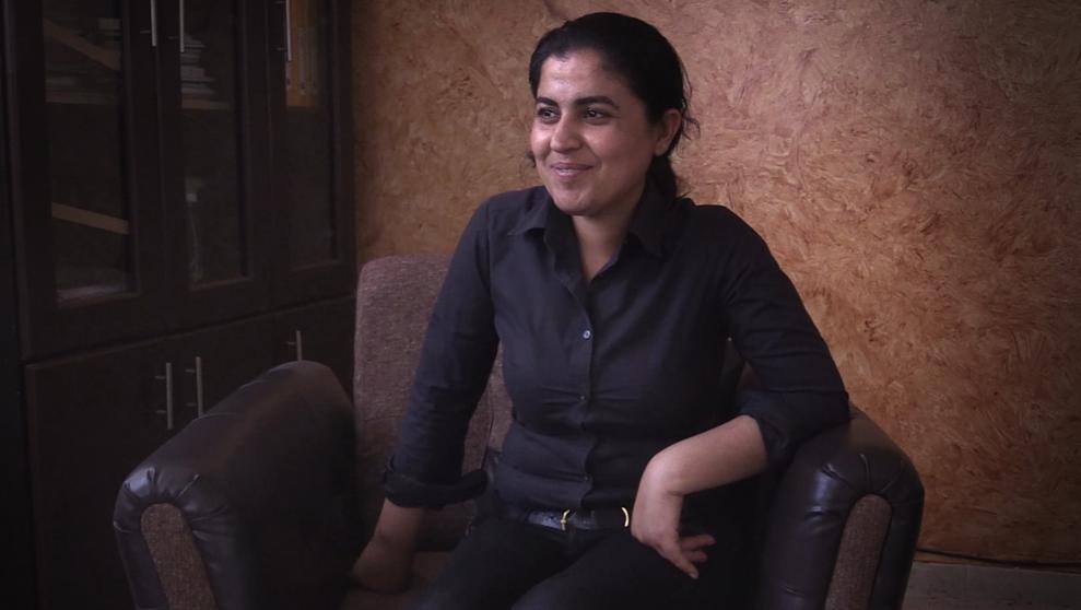 Portrait de Leïla Mustafa, la maire kurde de Raqqa.