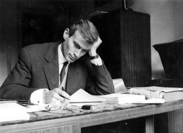 L'écrivain Jean-René Huguenin,  né le 1ᵉʳ mars 1936 et mort accidentellement le 22 septembre 1962,