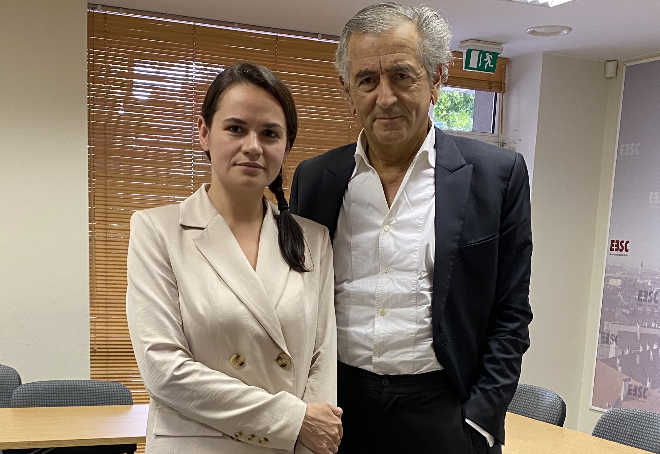 Svetlana Tikhanovskaïa et Bernard-Henri Lévy, mercredi 19 août à Vilnius.