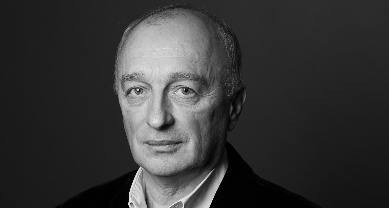 Portrait du critique du Monde René de Ceccaty.
