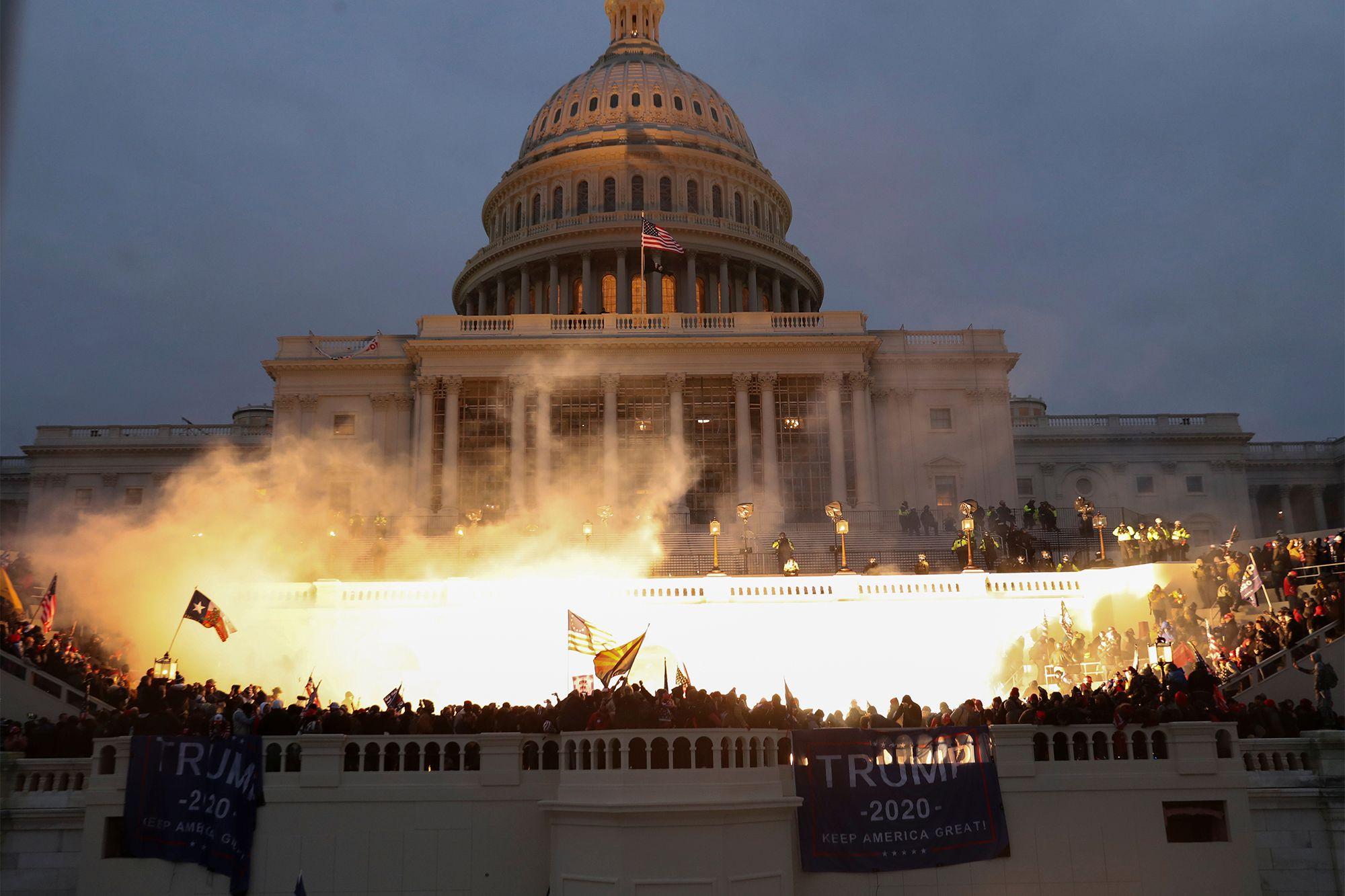 Les manifestants pro-Trump ont occupé le Capitole pendant près de trois heures le 6 janvier 2020.