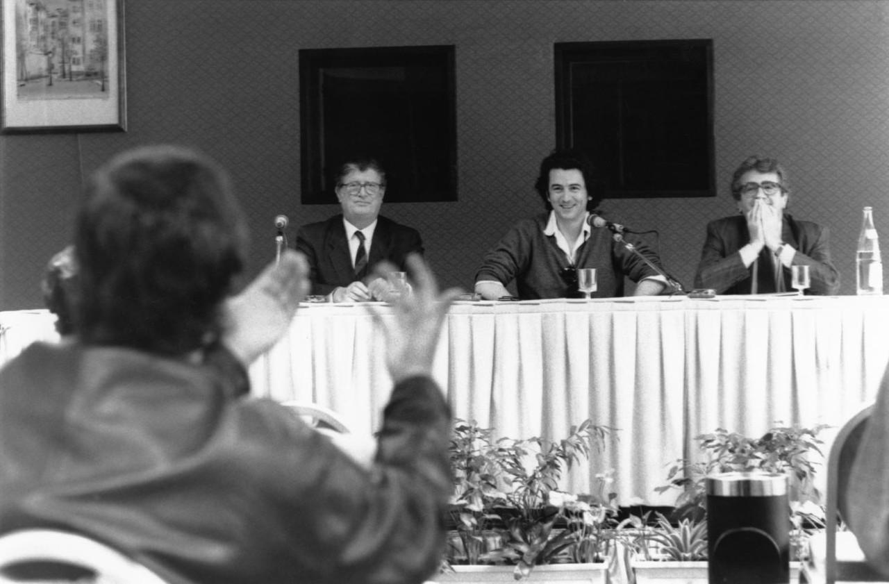 En 1988, Jean-Claude Fasquelle, directeur général des éditions Fasquelle puis des éditions Grasset et Fasquelle ; l'écrivain Bernard-Henri Lévy et l'éditeur Yves Berger, directeur littéraire des Editions B. Grasset (1960-2003). ©cc Bibliothèque municipale de Lyon.