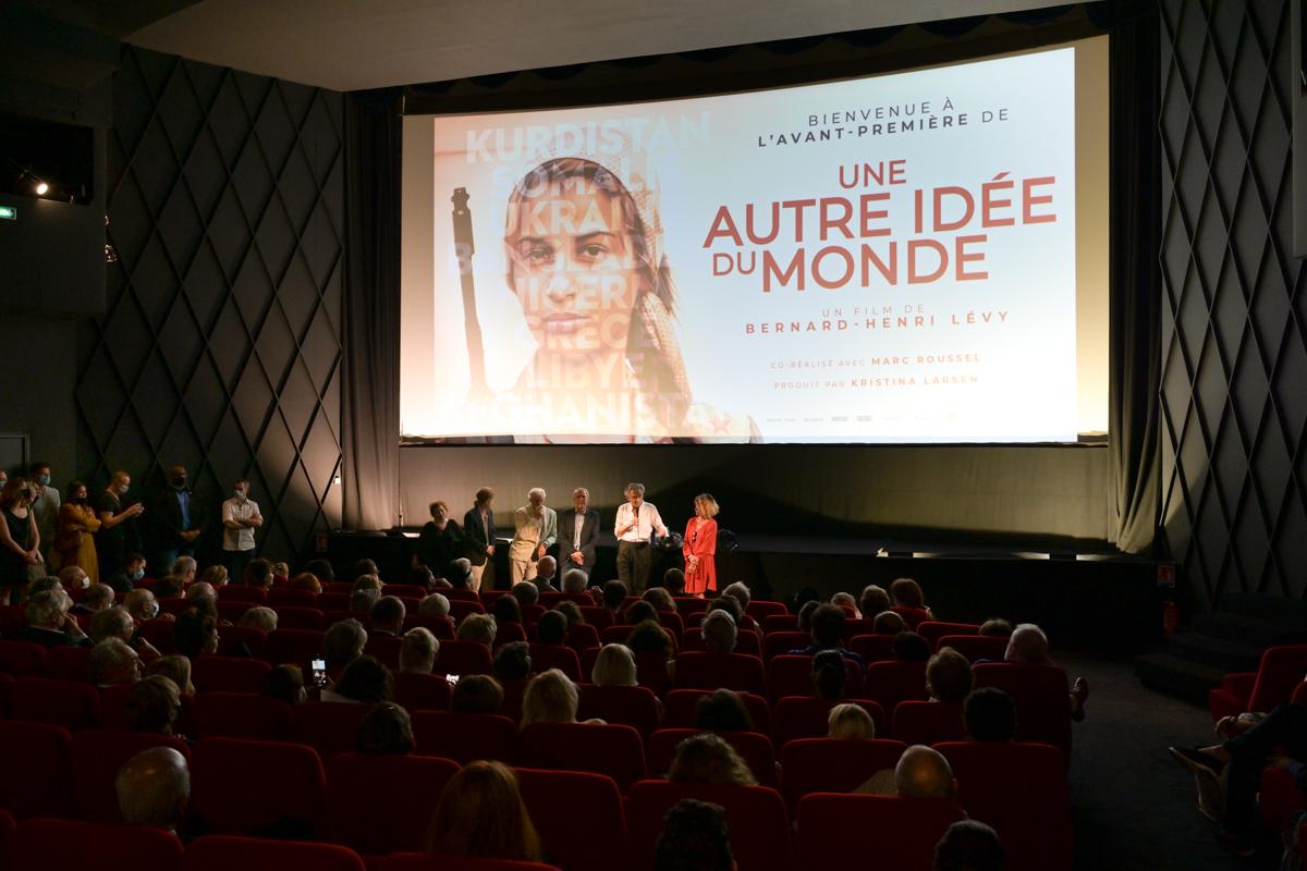 Lors de l'avant-première de «Une autre idée du monde», un film de Bernard Henri Levy et de Marc Roussel, au cinéma Arlequin (Paris), le 10 juin 2021.