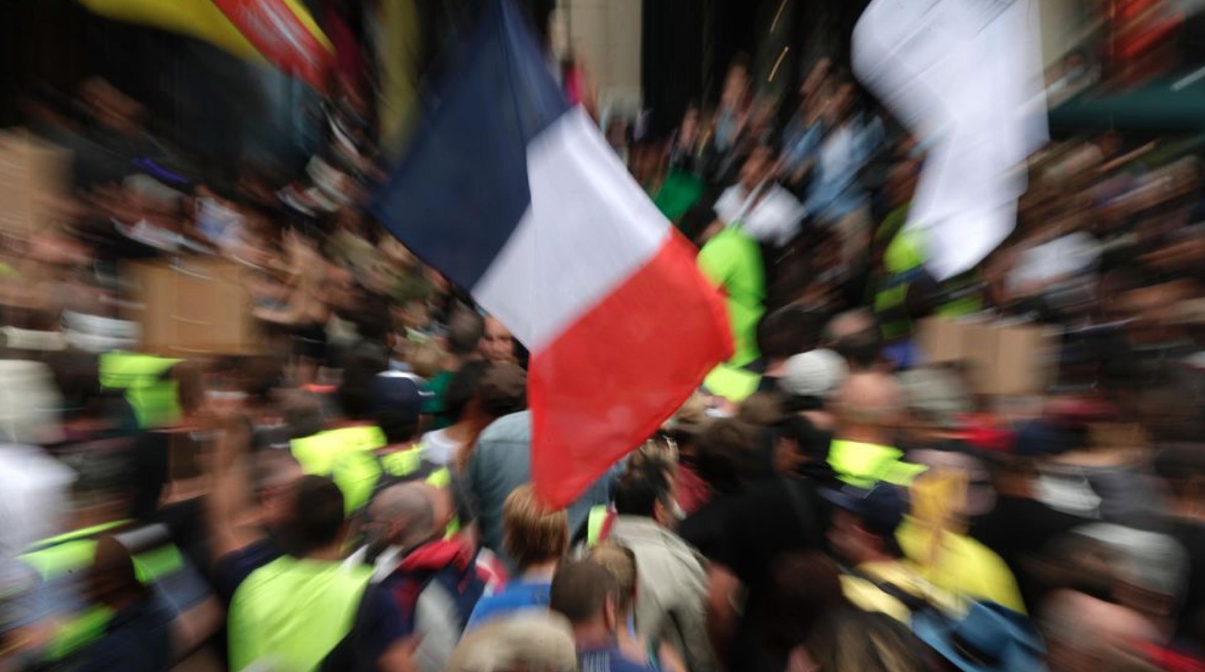 Des manifestants lors d'une manifestation contre la vaccination et le passeport santé à Paris, le 31 juillet 2021.