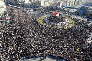 Des dizaines de milliers de partisans du régime dans les rues de Téhéran, le 18 février 2011.